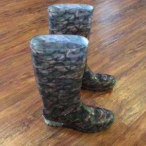 Coach camo rain boots